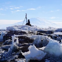 Breaking up at Sea: The Great Collapse of an Ice Shelf